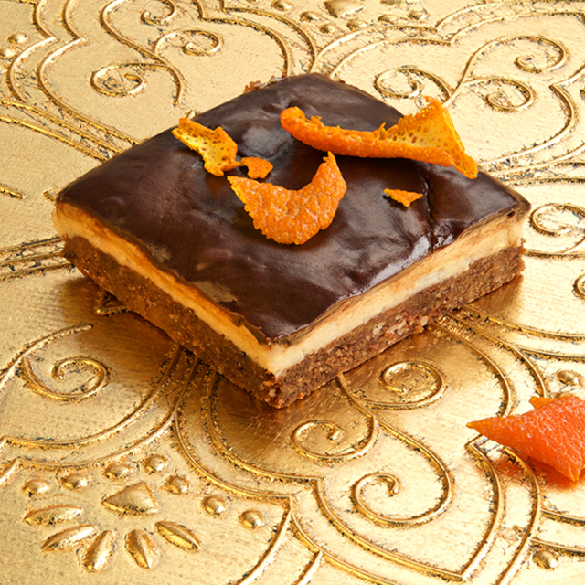 Christmas bar with clementines and dark chocolate